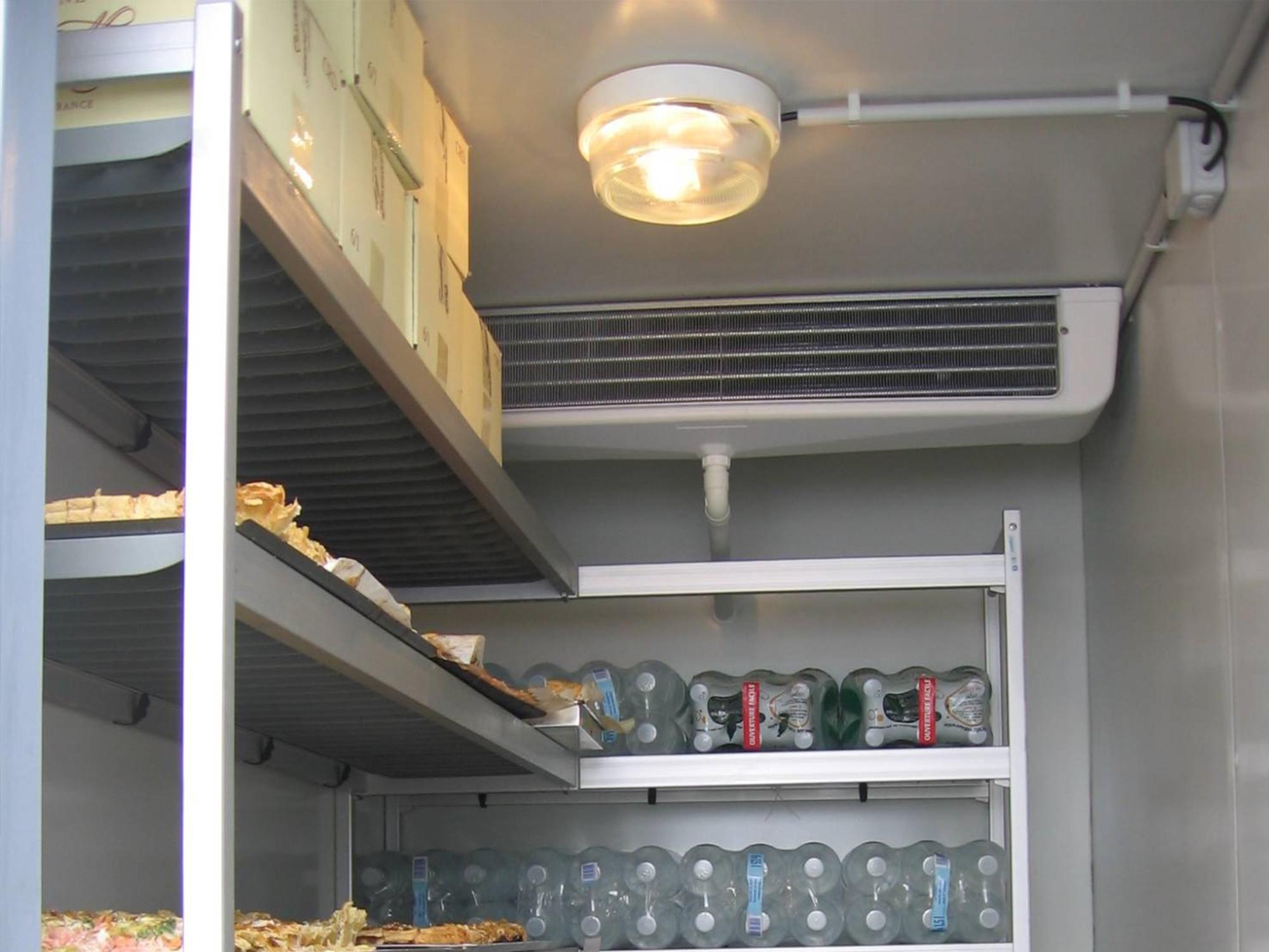 location de machine frigorifique thiers puy de d me. Black Bedroom Furniture Sets. Home Design Ideas